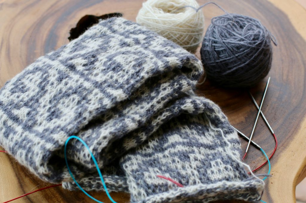yarn vibes mosaic cowl