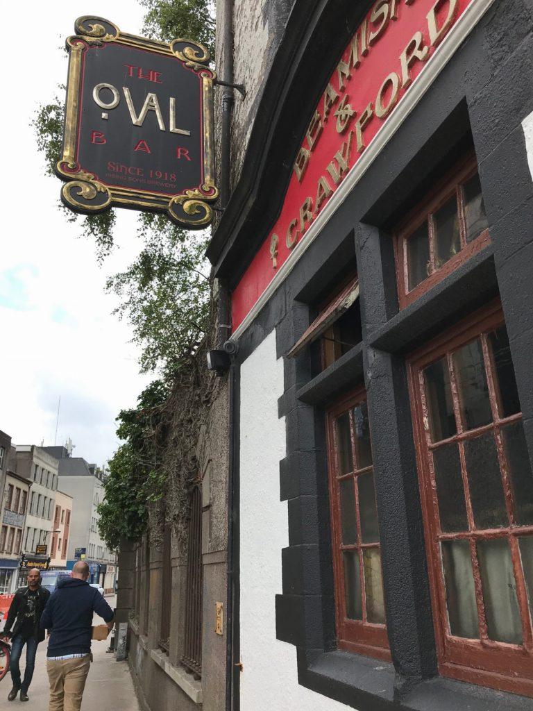 the oval pub